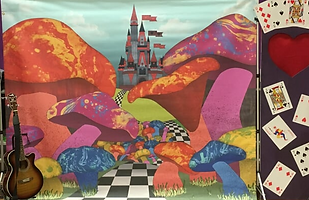 Alice in Wonderland Set Picture.png