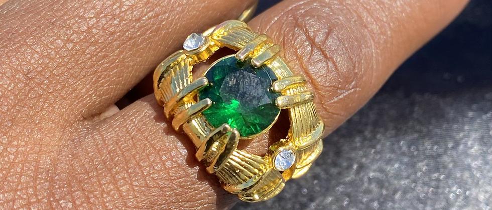 Emerald Claw Fashion Ring