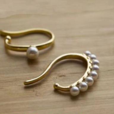 Pearl Ear Hanger Set