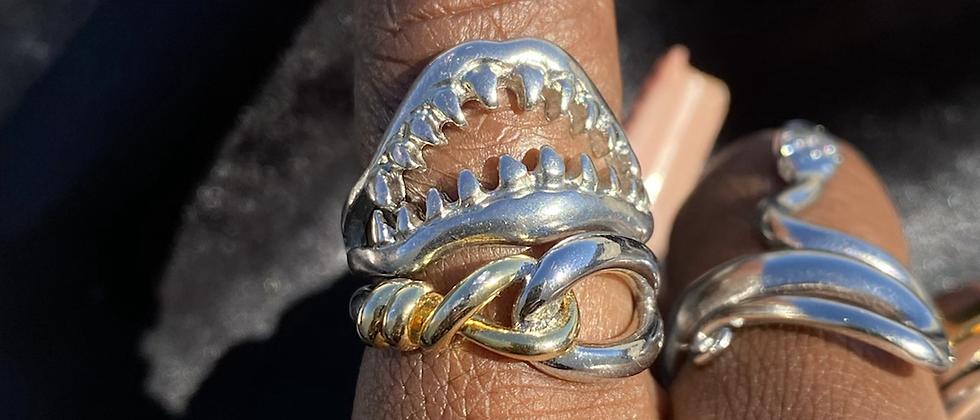 Shark Mouth Ring(sz.7)