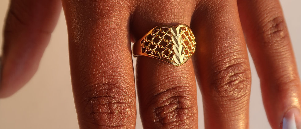 Hearted Band Ring