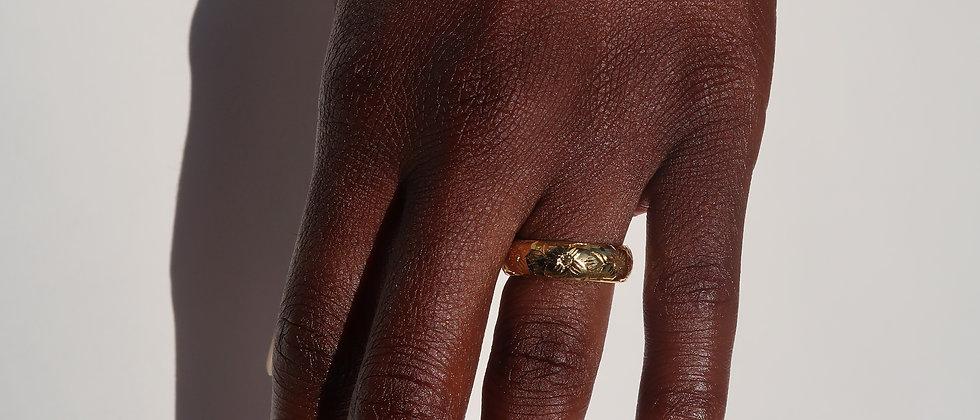 Mrs.Hawaii Ring