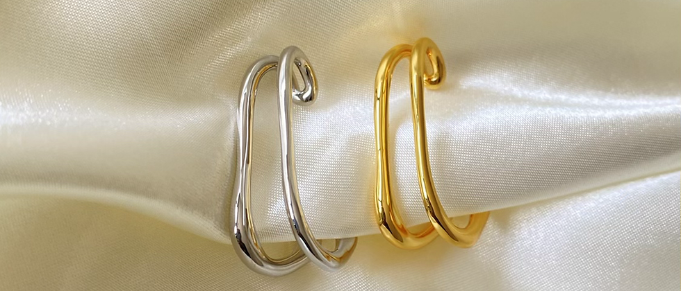Double Low Cuff Hanger