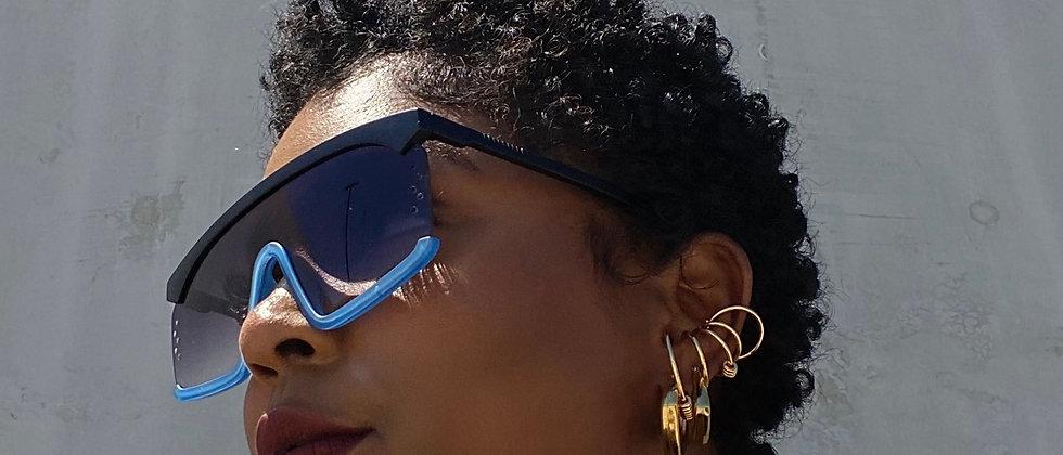 Blu Under Sunnies