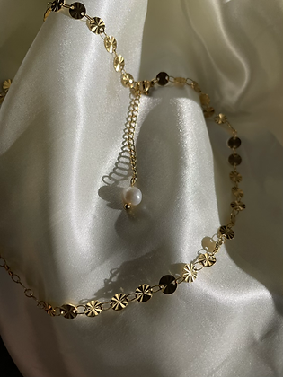 Melody Disc Pearl Necklace