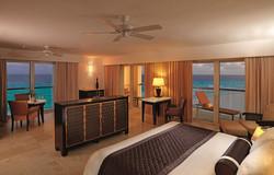 Le-Blanc-Resort-Cancun-Royal-Governador-