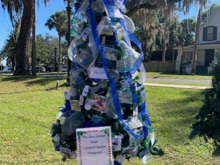 It's a [Coldwell Banker] Blue Christmas in Green Cove Springs