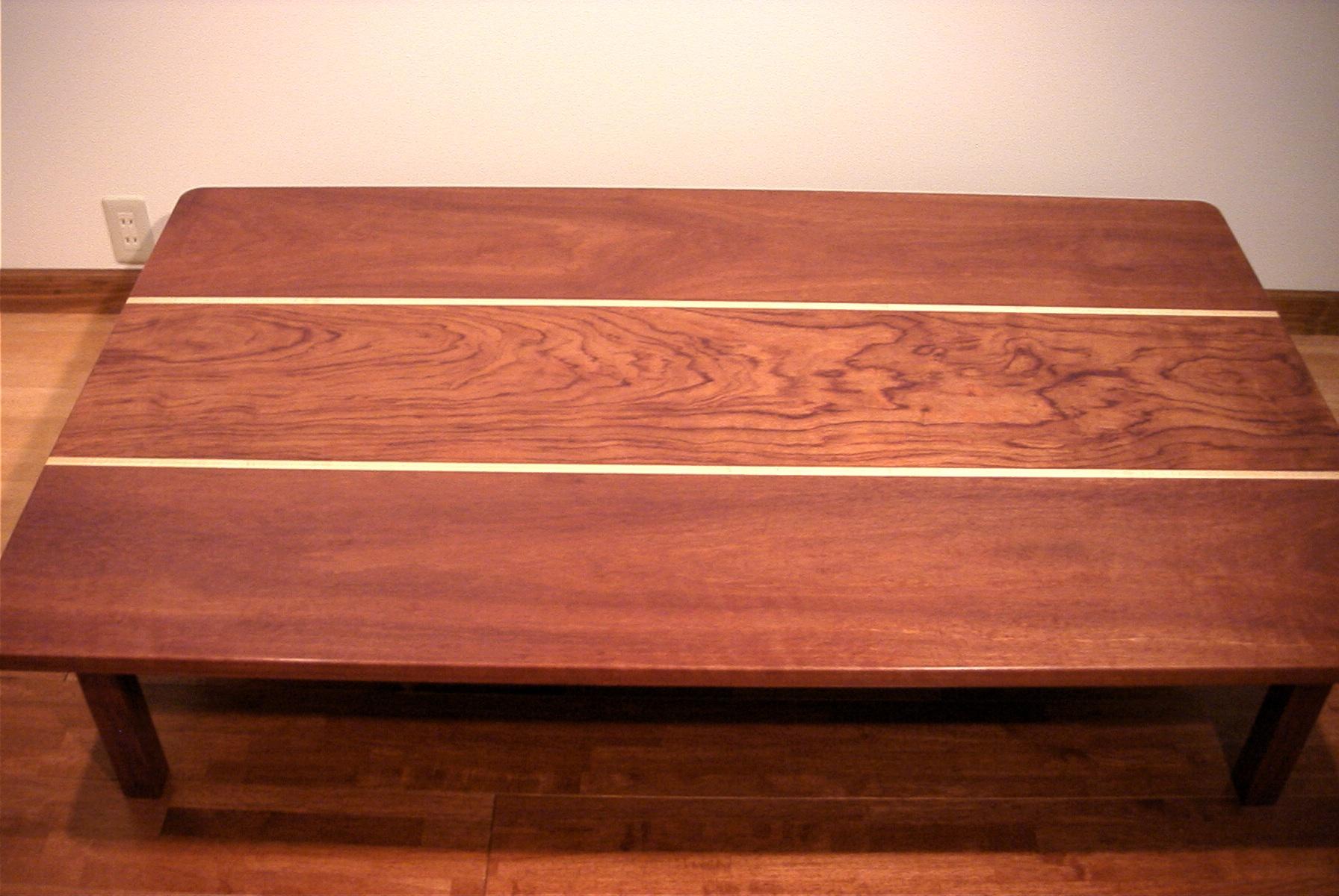 ローテーブルブビンガとメープル材