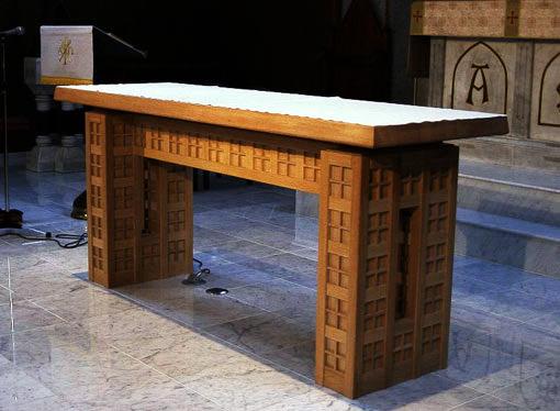 聖マリア教会祭壇