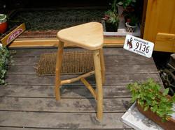 3 leg stool