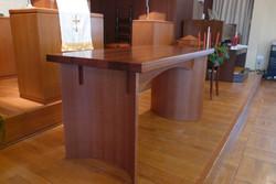 東十三教会聖卓1