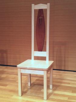 聖学校院チャプルの椅子