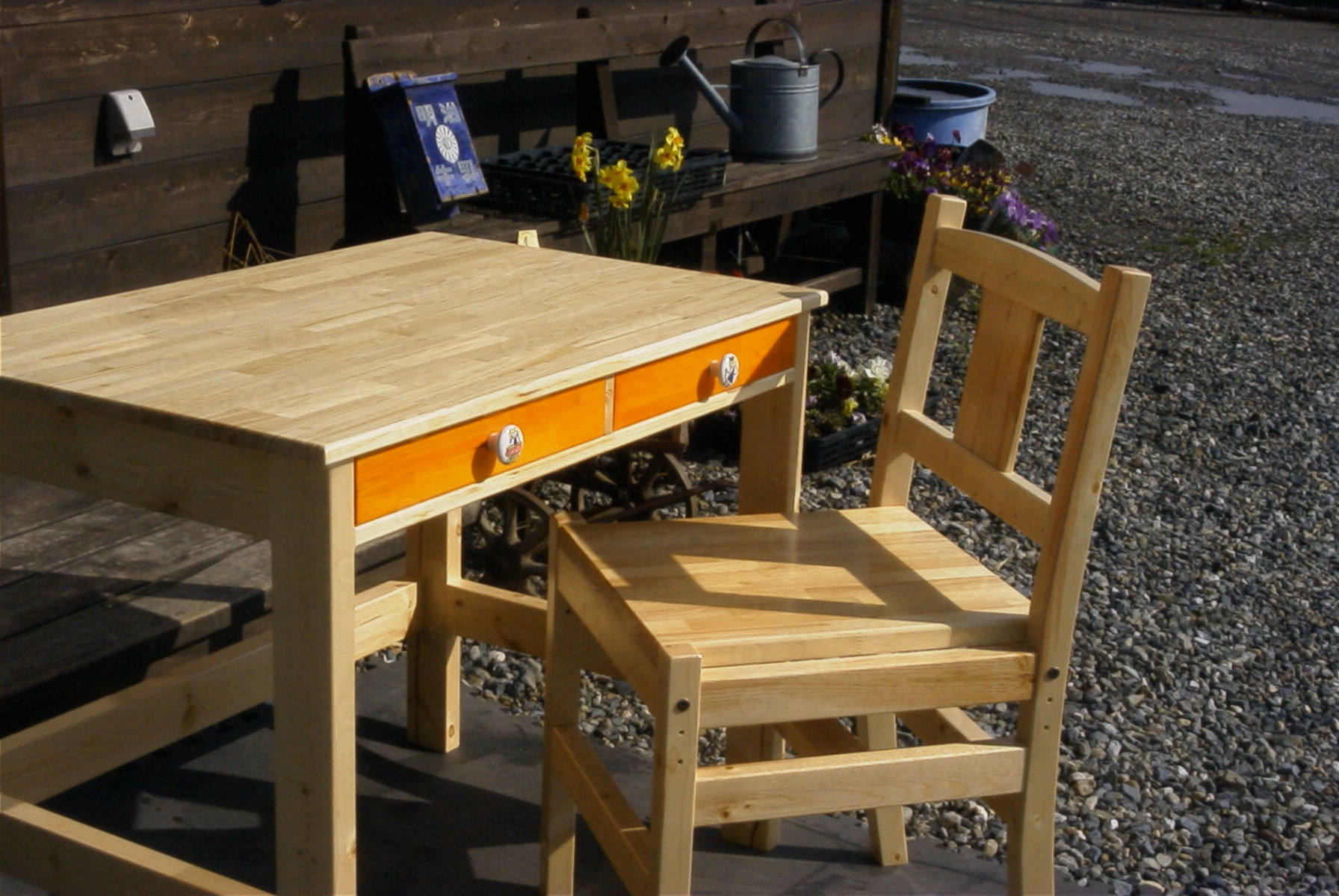 orange desk 1
