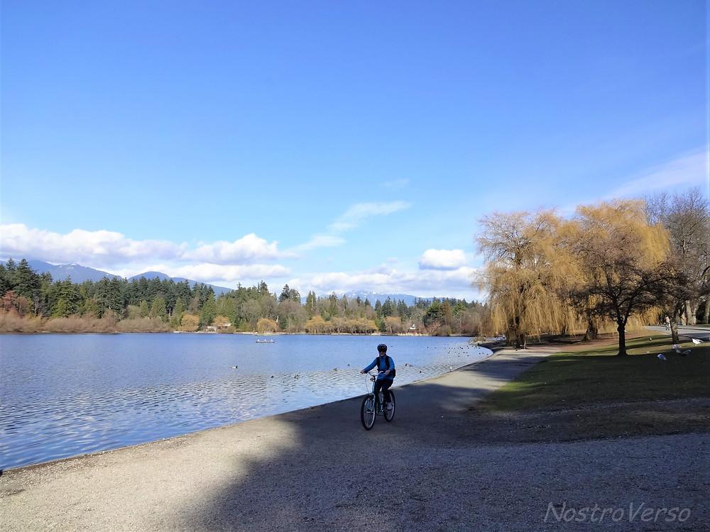 Pedalando no Stanley Park - Vancouver