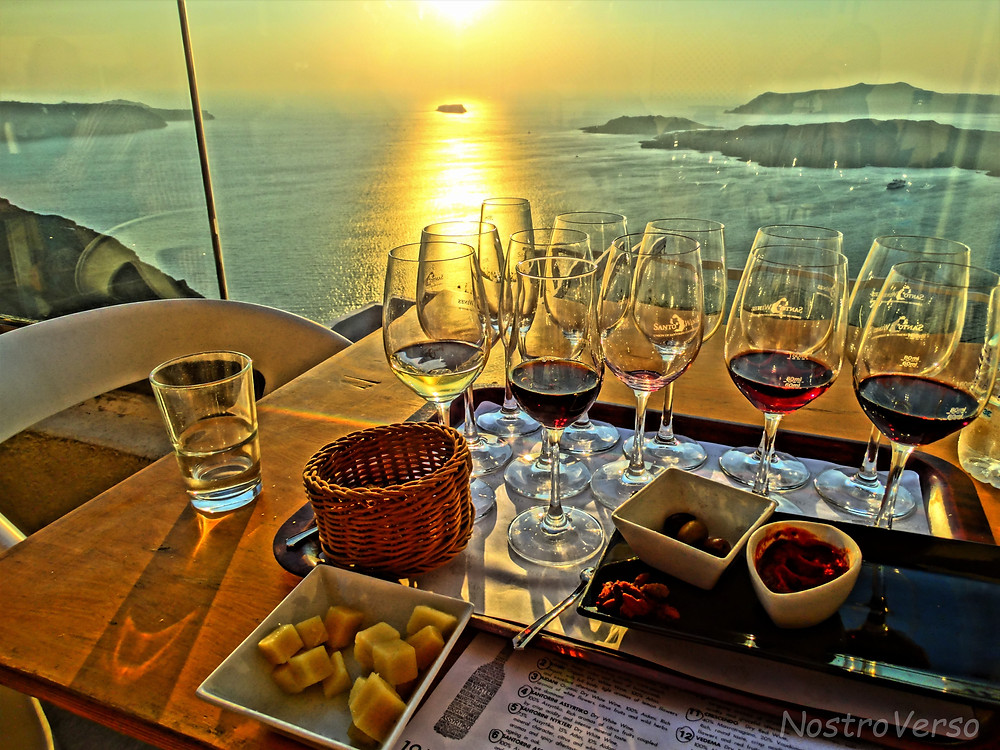 Degustação de vinhos ao pôr-do-sol