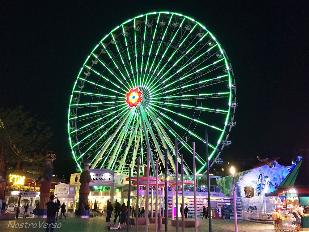 Roda gigante no parque Prater em Viena