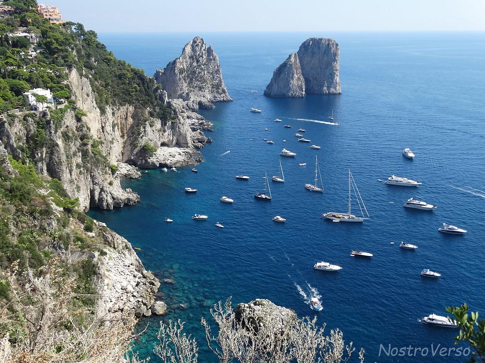 """Vista de Capri dos """"Giardini di Augusto"""""""
