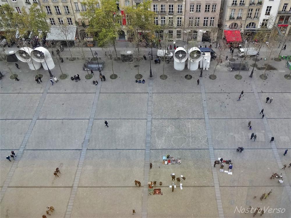 Pátio do Centre Georges Pompidou em Paris