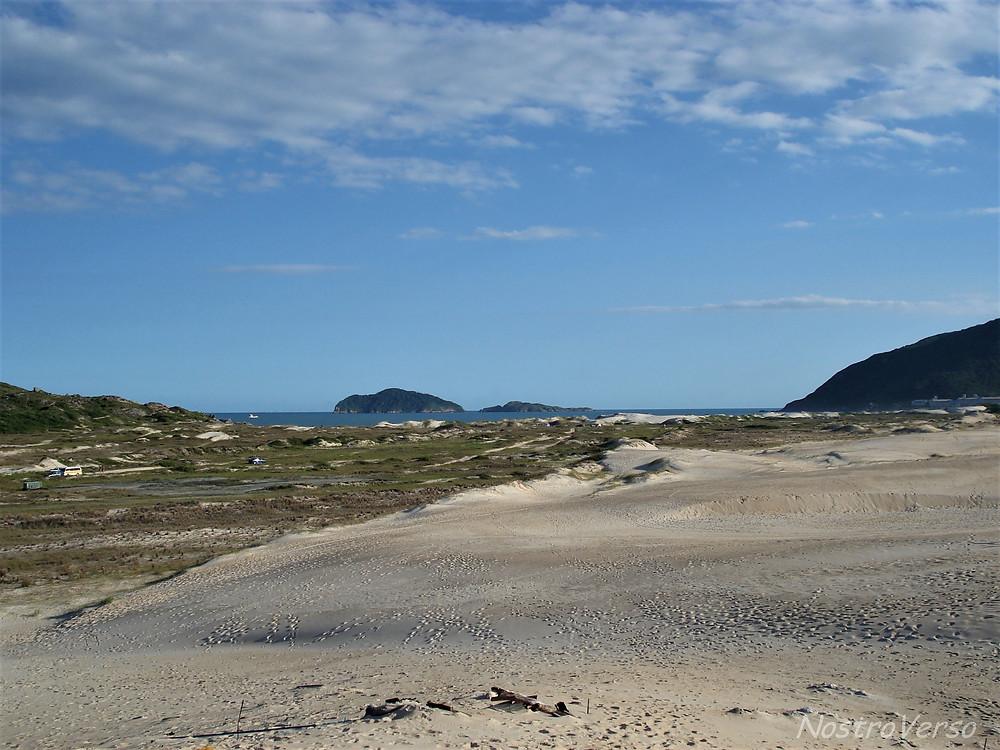 Dunas entre a praia do Santinho e a dos Ingleses