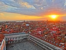 Lá vai o sol em Veneza!