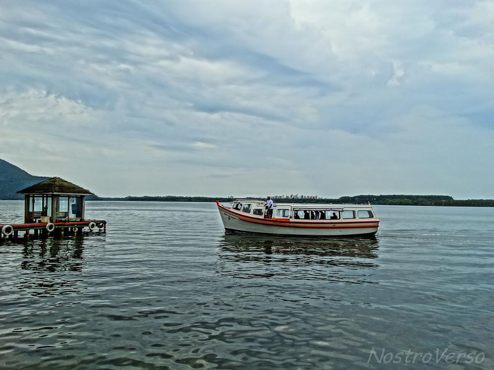 Barco na Costa da Lagoa