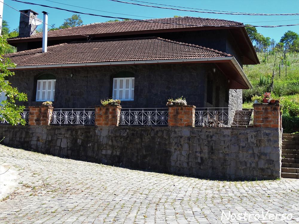 Casa de Pedra - Vinícola Mena Kaho