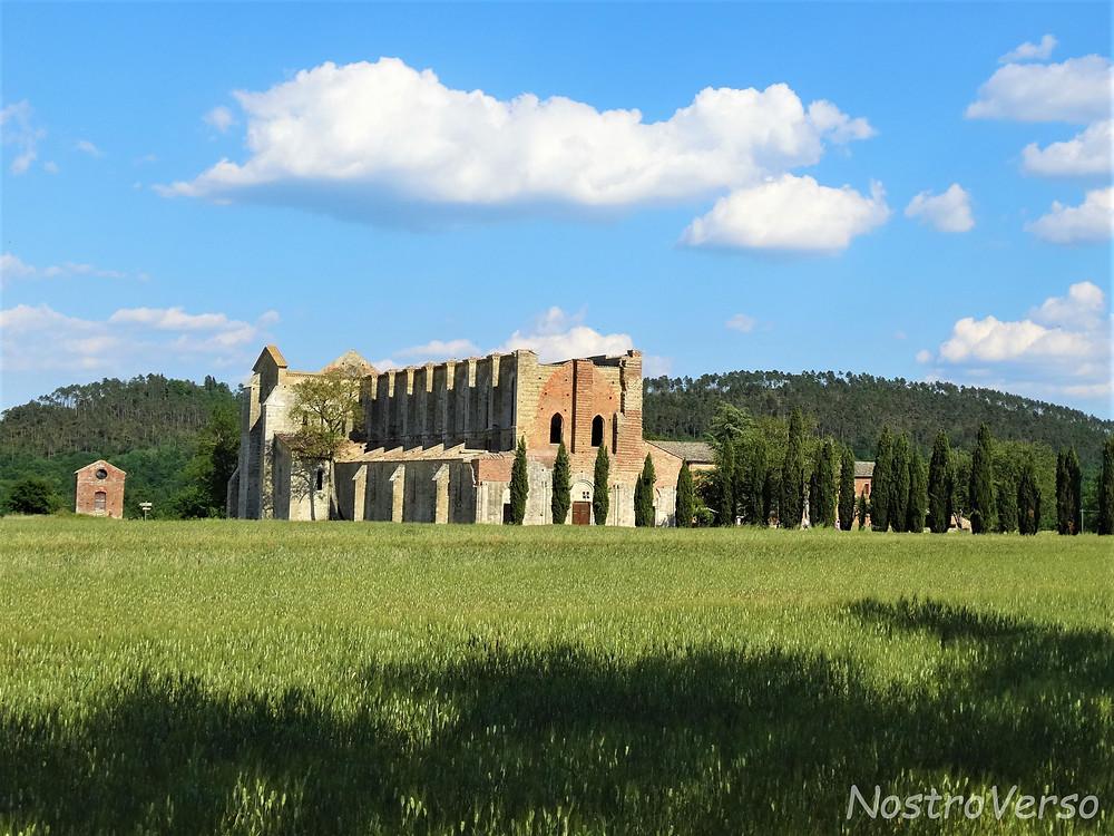 Igreja sem teto de San Galgano - Toscana