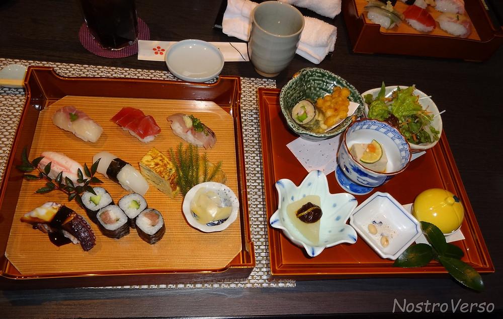 """""""Set"""" de comida japonesa"""