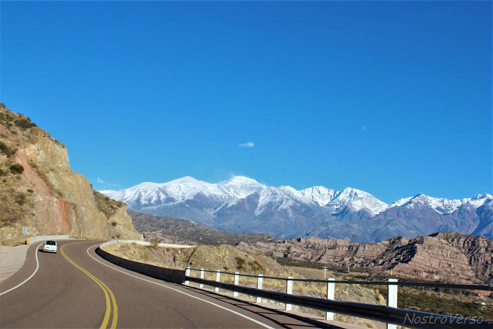 Estrada pela Cordilheira dos Andes