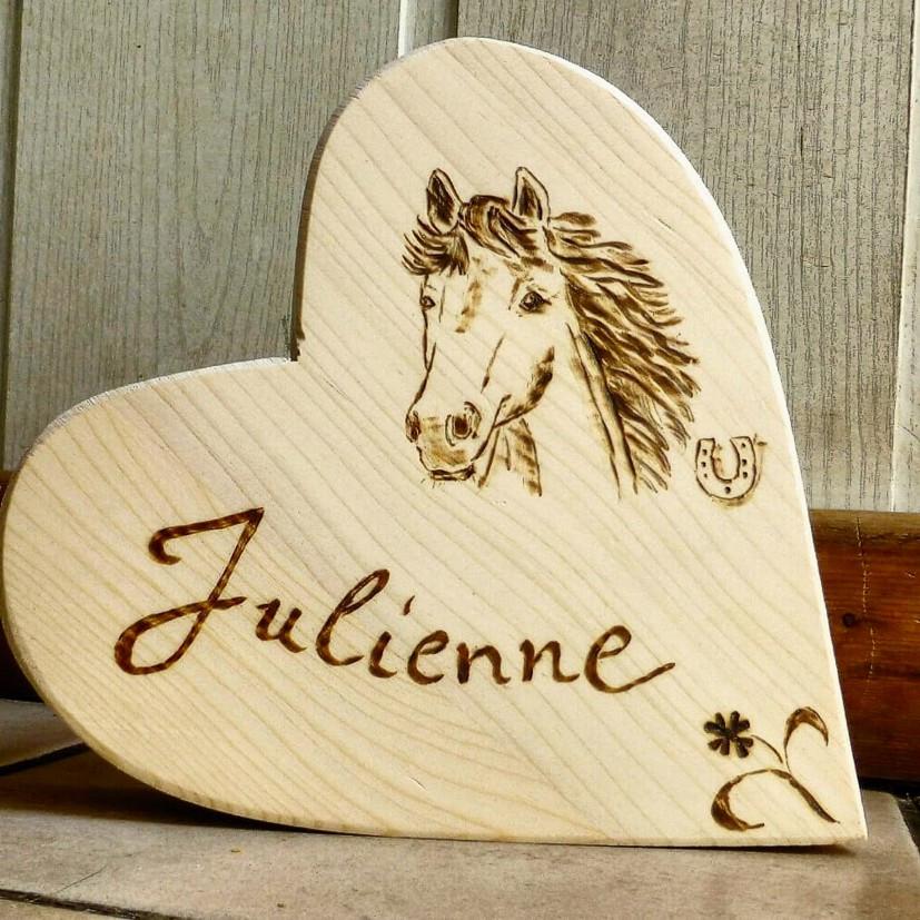 Pferdeportrait in Holz gebrannt - Horse Portrait