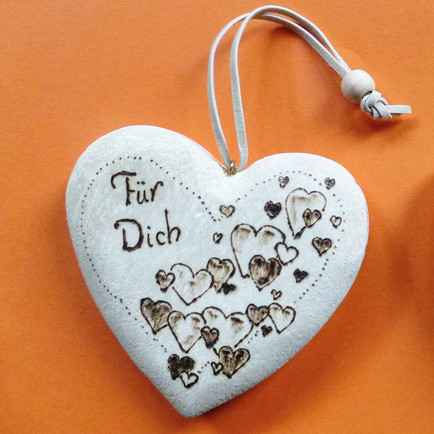 Anhänger Holz Herz mit Herzen