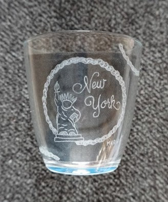Glass New York Stature of Liberty Wine/ Wein, Tea/ Tee, UpcyclingBottle/ Flasche