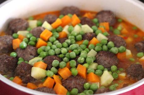 8 aylık bebekler için ek gıda sebzeli köfte