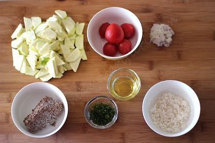 8 aylık bebekler için ek gıda kıymalı kabak - malzemeler