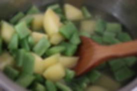 6 aylık bebekler için ek gıda patatesli yeşil sebze püresi