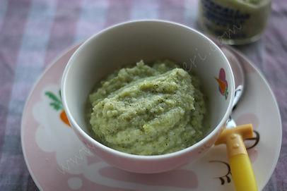8 aylık bebekler için ek gıda patates ve brokoli püresi
