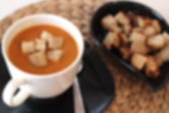 10 aylık bebekler için kerevizli domates çorbası