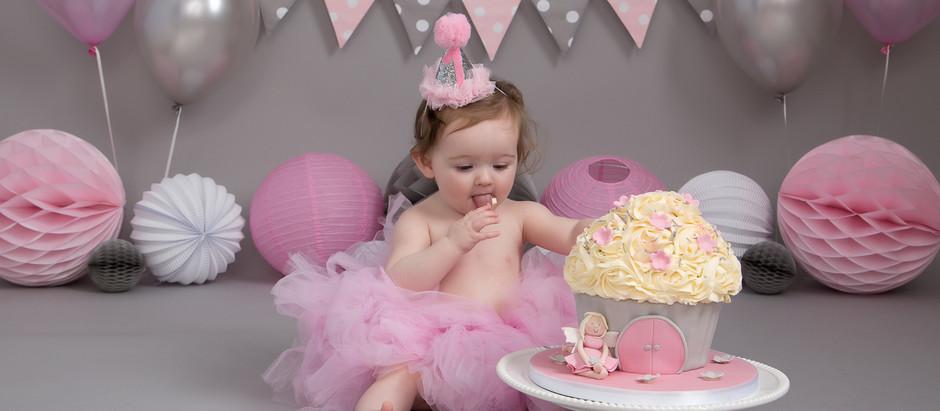 Minnie's Cake Smash & Splash!