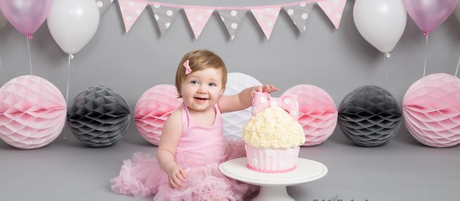 When Should you Book a Cake Smash Photo Shoot?
