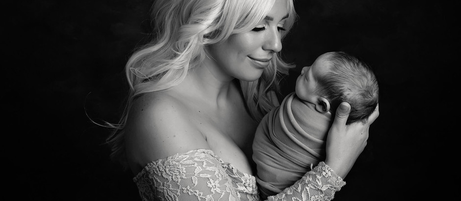 20 Inspirational & Cute Newborn Baby Quotes for Mums-to-be & New Mums with FREE downloadables