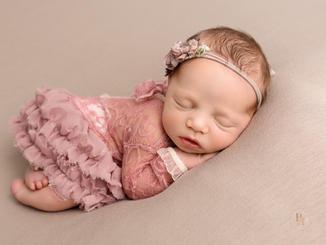 Newborn baby photos Sheffield Doncaster