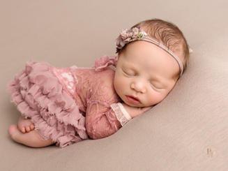 professional newborn photos Sheffield Doncaster Retford.jpg