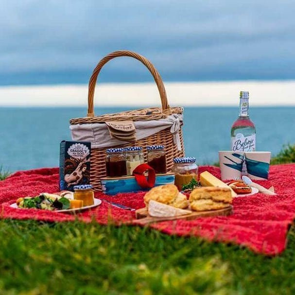 Deli basket for two