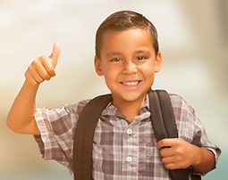 niño yendo a la escuela