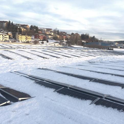 Solcellepaneler delvis avsmeltet med Innos Weightwatcher