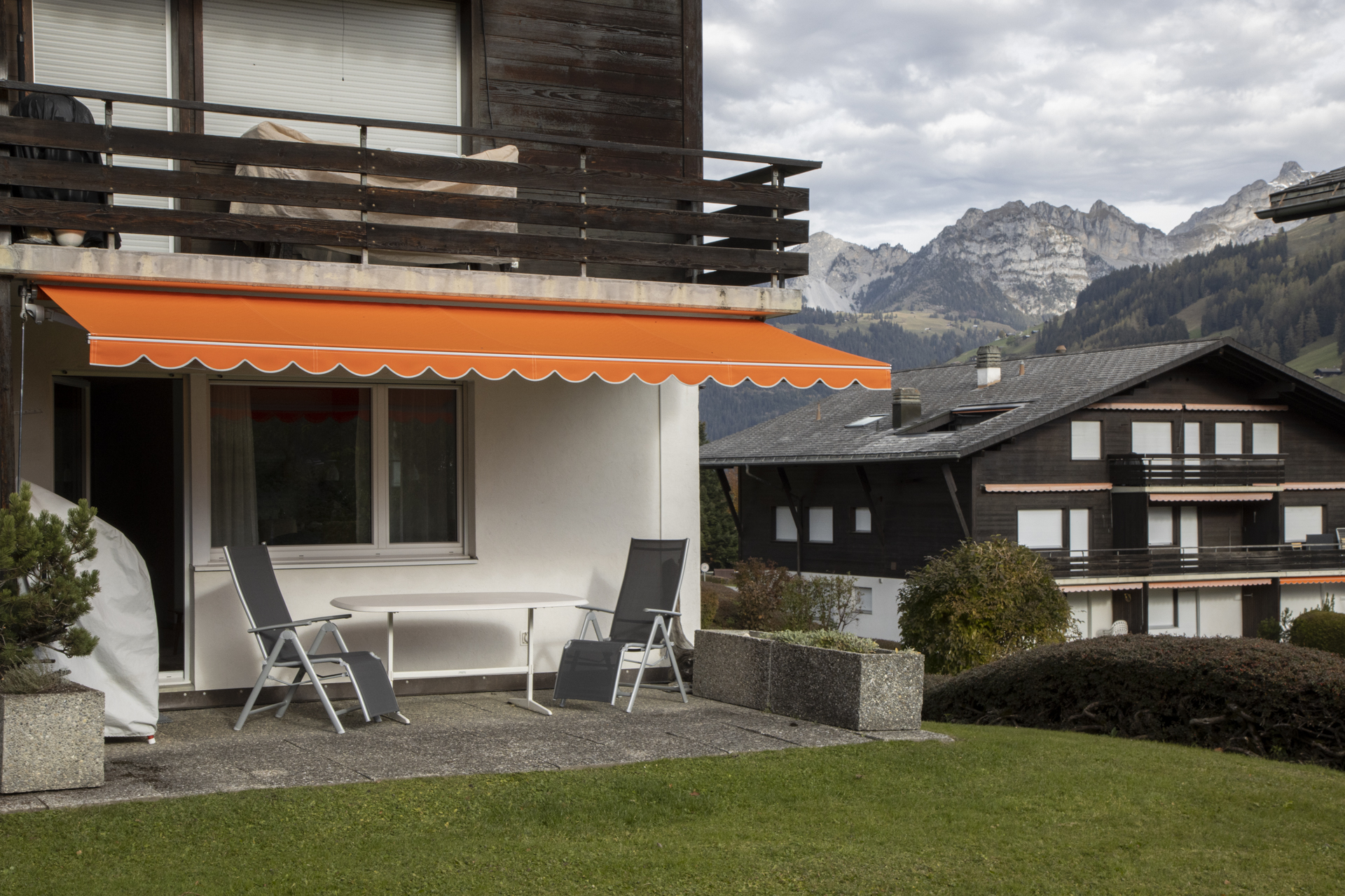 Parterre-Wohnung mit Gartensitzplatz