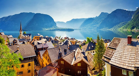 Great views of the lake and Hallstatter and Hallstatt Lutheran Church. Picturesque and gorgeous scen