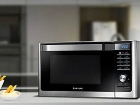 Για ποιον λόγο δεν πρέπει να λειτουργούμε τον φούρνο μικροκυμάτων όταν είναι άδειος
