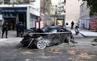 Κλεμμένο όχημα παρέσυρε κόσμο στη Λιοσίων