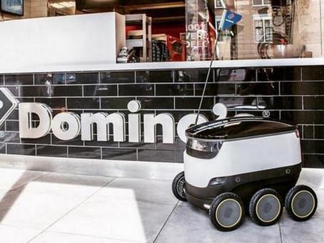 Παράδοση παραγγελιών με ρομπότ από την Domino στη Γερμανία